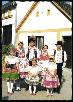 Öcsény; Sárközi népviselet | Képeslapok | Hungaricana I Dream Of Genie, Folk Dance, Girl Scouts, Hungary, Ukraine, Hipster, Culture, Costumes, Traditional