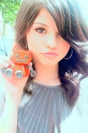 I'm so bored Alex Russo, Selena Gomez, Short Curly Hair, Curly Hair Styles, Curly Hair Tutorial, Marie Gomez, Viera, Pretty Face, Sunglasses Women