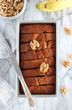banana bread Forget all the banana bread recipes you have tried before, the only one you need is this one. Truly the best, with an extraordinary moist texture. Discover its secret ingredi Banana Bread Easy Moist, Buttermilk Banana Bread, Banana Bread Recipes, Bowl Cake, Sheet Cake Recipes, Quick Bread, Sweet Tooth, Dessert Recipes, Yummy Food