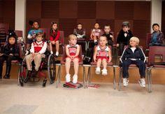 Little glee! i love this show! Rachel Berry, Finn Glee, Rachel And Finn, Cute Asian Babies, Movie Previews, Glee Club, Holiday Movie, Chris Colfer, Best Tv