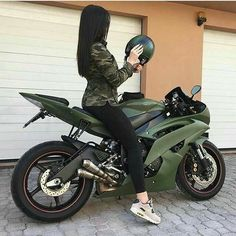 army green fkn pimp ass bike!!