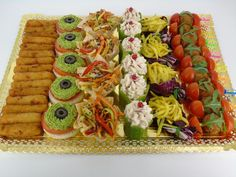 Platouri aperitive fara carne Pasta Salad, Sushi, Waffles, Cheesecake, Breakfast, Ethnic Recipes, Diy Wood, Food, Search