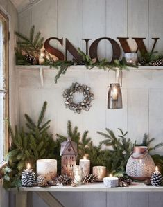 15 Pieces Of Winter Style You'll Want For Your Home Shabby Chic Christmas, Farmhouse Christmas Decor, Country Christmas, Christmas Vignette, Christmas Kitchen, After Christmas, Noel Christmas, All Things Christmas, Hygge Christmas