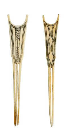 Africa |  2 Hairpins from the Azande people of DR Congo | Ivory | 1,080€ for both ~ sold (Sept '07)