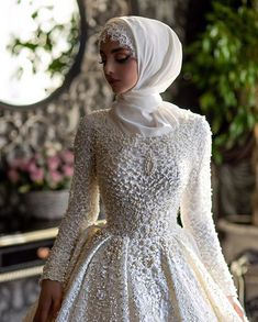 Modern Hijab Wedding Dresses & A sip of information every day Source by flamingopembe The post Modern Hijab Wedding Dresses appeared first on wedding. Muslim Wedding Gown, Hijabi Wedding, Wedding Hijab Styles, Arabic Wedding Dresses, Muslimah Wedding Dress, Arab Wedding, Muslim Wedding Dresses, Bridal Dresses, Arabic Dress