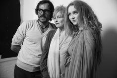 17h45 : Séance photo en backstage avec Andreas Kontrahler, Vivienne Westwood et Lily Cole http://www.vogue.fr/mode/inspirations/diaporama/journal-de-la-fashion-week-printemps-ete-2014-a-londres-jour-1/15212/image/833183#!17h45-seance-photo-en-backstage-avec-andreas-kontrahler-vivienne-westwood-et-lily-cole