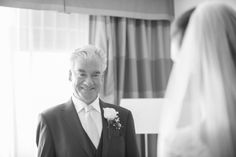 First look wedding photos aren't just confined to couples. Moms, dads and bridesmaids are getting in on the trend - and the resulting pics are sure to get you super emosh! Wedding Car, Wedding 2015, Wedding Poses, Our Wedding, Wedding Locations, Wedding Venues, Mini Hot Dogs, Church Ceremony, Father Of The Bride