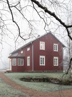 Made In Persbo: Nygyggt hus med själ Nordic Home, Scandinavian Home, Interior Stylist, Sweet Home, New Homes, Outdoor Structures, Cabin, House Styles, How To Make