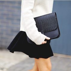 Afbeelding via We Heart It https://weheartit.com/entry/157887639 #bags #black #clutch #dresses #fashion #gorgeous #high #love #outfits #purses #shirts #skirts #sleek #sophisticated #sweaters #tops #velvet #white