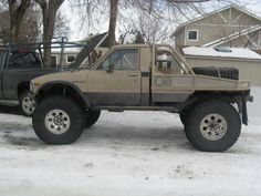 Google Image Result for http://www.pirate4x4.com/forum/attachments/toyota-truck-4runner/397957-85-4runner-low-ridin-37s-build-001.jpg