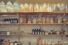 I thought it would be nice to share with you what is in my low FODMAP pantry. Low FODMAP products that I buy every week again! Pantry Shelving, Kitchen Shelves, Kitchen Decor, Kitchen Craft, Kitchen Pantry, Kitchen Storage, Kitchen Ideas, Kitchen Mats, Bbq Kitchen