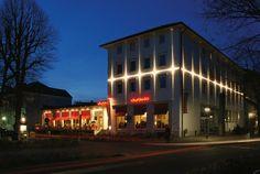 Strahler   Wandanbauleuchten   SKENA   Zumtobel Lighting. Check it out on Architonic