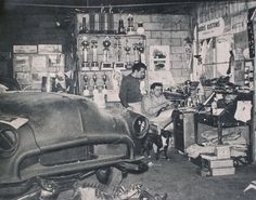 """Barris Kustoms"" sign in BG - is that George in the Foreground?"