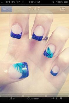 Love the feather embedded into these nails so pretty!