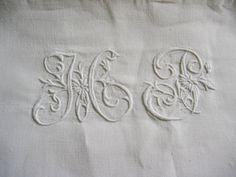 Jugendstil-Leinen-Bettueberwurf-Bettlaken-Relief-Monogramm-HP-2-71x1-97-m