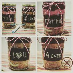 Como prometido... O lançamento para o dia dos namorados: Jarcake  Delicioso bolo no pote para presentear alguém especial!  Para reservar o seu nuageduchocolat@gmail.com #nuageduchocolat #jarcake #cake #bolo #bolonopote #diadosnamorados #valentinesday #presente #gift #love #food #instafood #instacake #foodporn #yummy #yummie #gastronomia