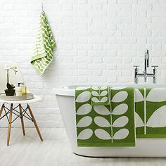 Donnez une petite touche rétro à votre salle de bains avec les serviettes Jacquard Orla Kiely  : http://www.uaredesign.com/serviette-toilette-stem-jacquard-orla-kiely-vert.html #johnlewis #bathroom #home #design #vintage