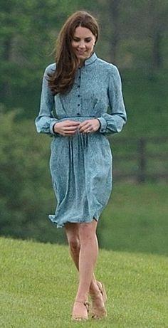 The Duchess of Cambridge wearing Libelula Rebecca Shirt Dress and Stuart Weitzman Minx Wedge Sandals.