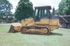 1997 Caterpillar 953C Hi Lift  http://www.heavyequipmentregistry.com/heavy-equipment/12358.htm