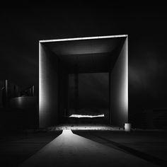 Joel Tjintjelaar - Grande Arche de la Défense Paris