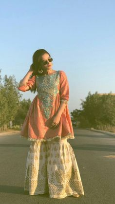 Aiman Khan Spotted in a Recent Wedding Event – Watch Pictures Simple Pakistani Dresses, Pakistani Fashion Casual, Pakistani Wedding Dresses, Pakistani Dress Design, Pakistani Outfits, Indian Dresses, Shadi Dresses, Eid Dresses, Wedding Hijab