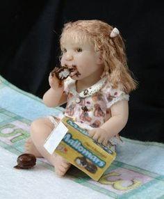 Little Girl Mallowmar Cookie Monster