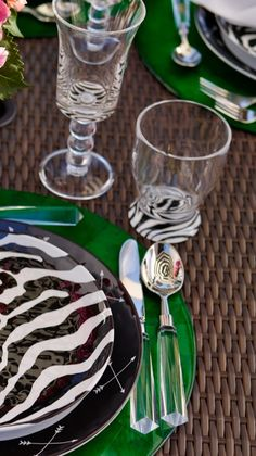Add an exotic touch to your tabletop with our Zebra Impressions Acrylic Drinkware.