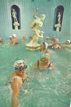 Jonathan S. Blair, Women enjoy the benefits of a heated whirlpool, Saint Petersburg, Florida (1973) National Geographic