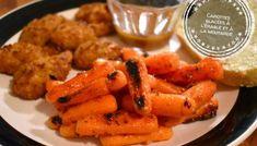 Carottes glacées à l'érable et à la moutarde - Auboutdelalangue.com Beignets, Pesto, Dessert Recipes, Desserts, Tasty Dishes, Sheet Pan, Fudge, Carrots, Biscuits