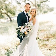 These gorgeous newlyweds are #ontheblog today! Check out their stunning San Diego #weddingday - link is in my profile!  Photography by @jennabechtholt | Venue located at @mtwoodsoncastle | Floral Design by @thirdbloom | Catering by Personal Touch Dining | Wedding Dress by @katiemaycollection | Bride's Veil by @myolivianelson | Bridal Hairstyling by @thorneartistry | Bridal Makeup by Elizabeth Root | Photo Booth by @sdphotobus | Desserts by @sweetcheeksbakingco | DJ by @thomasgiglioevents…