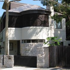 Today's #ThrowbackThursday house, which can be found not far from #BondiBeach in the #Sydney suburb of #Bronte (which also has a fabulous beach of its own), started life as a 1940s two-storey duplex.  The decision to undertake the complex task of converting the duplex into a family home rather than knock it down and start again was made in light of the fact that council regulations would not allow for as large a new building on the site.  One of the challenges the project presented was to…