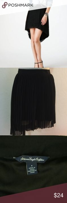 American Eagle Pleated Skirt Worn once, in great condition. Wear it asymmetrical or Hi-lo. Only one available in size 4 American Eagle Outfitters Skirts