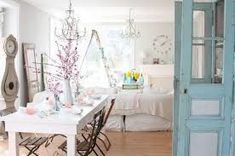 Image result for shabby chic interior design Shabby Chic Dining Room, Dining Room Table Decor, Shabby Chic Kitchen, Shabby Chic Furniture, Home Furniture, Paint Furniture, Bathroom Furniture, Wood Table, Furniture Ideas