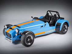 Caterham Seven 620R - one of the 'best track cars' 2013. Find out why by clicking on the pic!