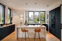 Wood Kitchen Cabinets, Kitchen Cabinet Colors, Kitchen Colors, Home Decor Kitchen, Kitchen Interior, Home Kitchens, Condo Kitchen Remodel, Scandinavian Kitchen, Nordic Kitchen