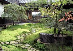 Japanese Garden Theme For A Getaway In Your Own Backyard Small Japanese Garden, Japanese Garden Design, Japanese Landscape, Japanese Architecture, Japanese Gardens, Japanese Style, Moss Garden, Herb Garden, Garden Plants