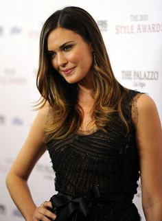 Hair Lookbook: Odette Annable wearing Layered Cut (8 of 20). Odette Annabelle showed off her long layers and two tone tresses at the 2010 Style Awards.