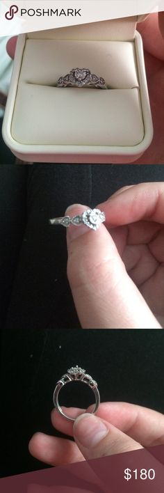 What is the most romantic or best way to gift a ring for my gf?