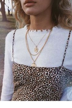 Love the necklace choice | Inspiring Ladies