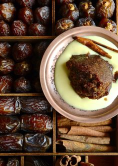 Spiced Cape Brandy Pudding | Bibbysktichen recipes Tart Recipes, Pudding Recipes, Baking Recipes, Dessert Recipes, Oven Recipes, Dessert Ideas, Recipies, Sticky Pudding, Date Pudding