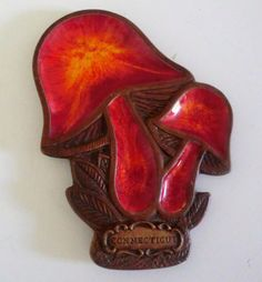 VINTAGE Souvenir of Connecticut MUSHROOM Treasure Craft SPOON Rest on Etsy, $12.00