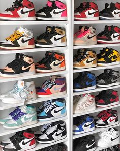 What was the best Nike Air Jordan 1 for you this year? how to celebrate the . - shoe porn - What was the best Nike Air Jordan 1 for you this year? how to celebrate the …- - Sneakers Mode, Sneakers Fashion, Shoes Sneakers, Sneakers Workout, Shoes Uk, Fashion Outfits, Nike Air Shoes, Nike Air Jordans, Air Jordans Women