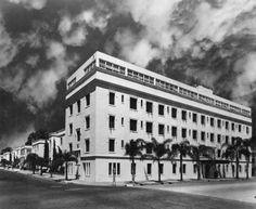 Seaside Hospital on the corner of Chestnut Avenue and Fourteenth Street (one block north of Anaheim Street) in Long Beach :: University Of Southern California, Long Beach, Seaside, Louvre, Street View, Buildings, Travel, Viajes, Beach