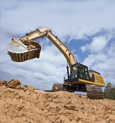 The Cat D Series Hydraulic Excavators incorporate innovations for improved performance and versatility. Available in different models like 320D, 329D, 336D, 349D, 374D and 390D, these models let the operator to work in confidence and to focus on a productive working day.