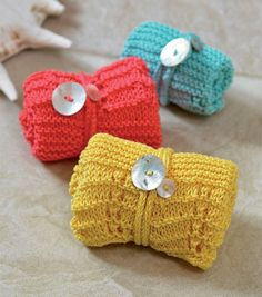 Warm welcome - the knitted i-cord is a cute way to package a washcloth.