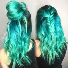 Turquoise ombre hairstyle. Love this mermaid look so much, work by @sadiejcre8s