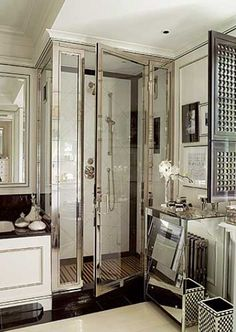 Shower enclosure (in Cardinal Shower's oil rubbed bronze)