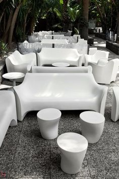 Tokyo Pop is a range of seats designed by Tokujin Yoshioka for Driade.