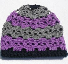 We lose a lot of heat through our head but this amazing crochet skully beanie will keep you toasty warm this winter. A relaxed slouchy fit, it can be made in cu