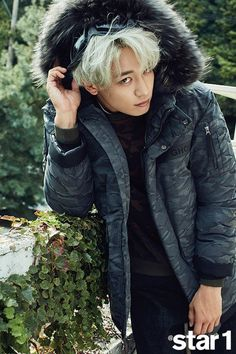 SHINee's Minho took part in a photoshoot and interview with the upcoming November issue of '@star1'!He worked a variety of winter jackets for his shoo…